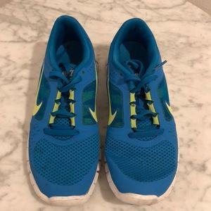 Women's Nike running shoes blue. Worn once.